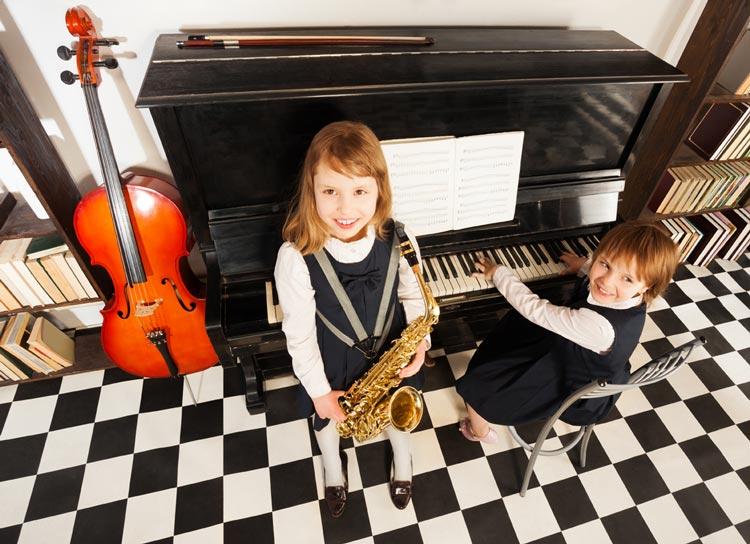Avvicinare gli studenti alla musica: dalla Regione 1,6 milioni di euro per 24 progetti. Oltre 21mila euro anche a Imola