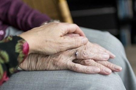Cure palliative e fine vita, in Emilia-Romagna anche durante la pandemia sempre garantita l'assistenza ai pazienti oncologici